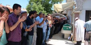 PAZARYERİ'NİN TANINMIŞ ESNAFI RECEP TOPAL SON YOLCULUĞUNA UĞURLANDI
