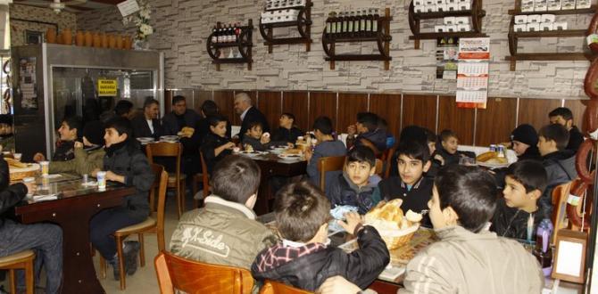 Belediye Başkanı Yalçın, Çocukları Ağırladı