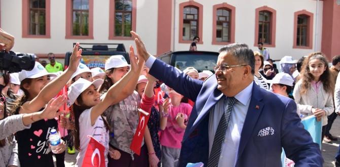 Bilecik milletvekili Selim Yağcı 23 Nisan Kutlaması