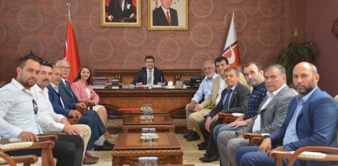Belediye Başkanı Tekin, Rektör Prof. Dr. Taş'ı Makamında Ziyaret Etti