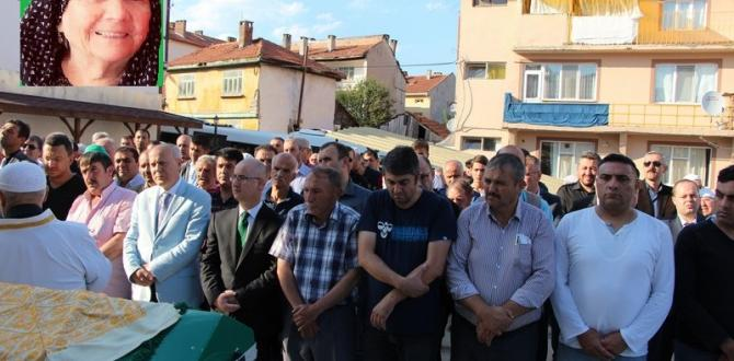 ŞEHİT ÖZEL HAREKAT EM. MD. ZAFER KOYUNCUNUN ANNEANNESİ TOPRAĞA VERİLDİ