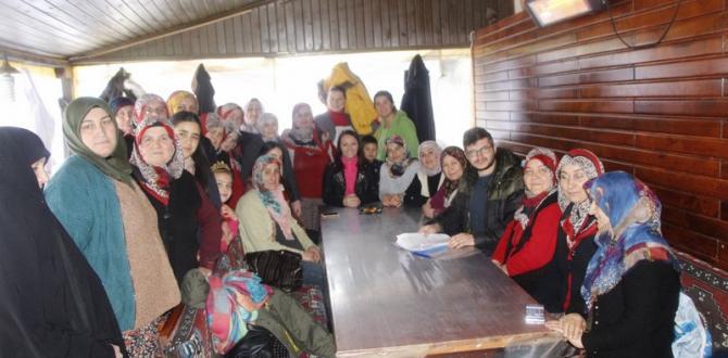 Başkan Tekin, Kadın Kursiyerlerin Yeni Yılını Kutladı