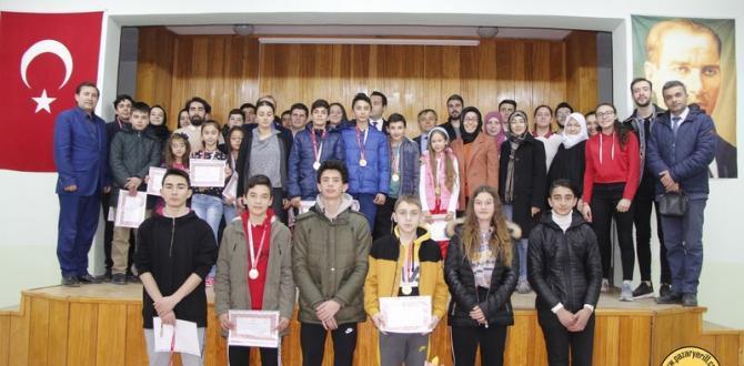 Pazaryeri'nde Başarılı Sporculara Ödül Töreni