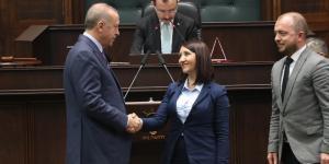 Pazaryeri Belediye Başkanı Tekin, AK Parti Rozetini Taktı