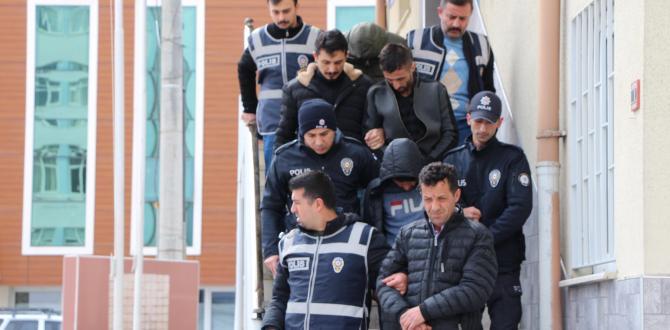 POLİSTEN BAŞARILI OPERASYON KABLO HIRSIZLARI YAKALANDI