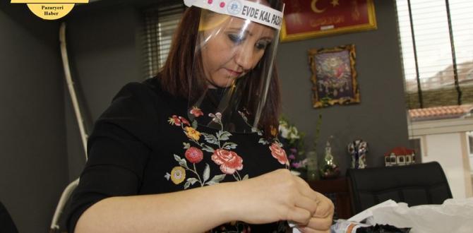 Pazaryeri Belediyesi Şeffaf siperli maske üretimini hızlandırdı