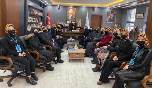 PAZARYERİ AK PARTİ KADIN KOLLARINDAN BAŞKAN TEKİN'E ZİYARET